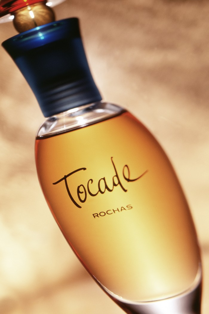 Tocade_Perfume_product_photography